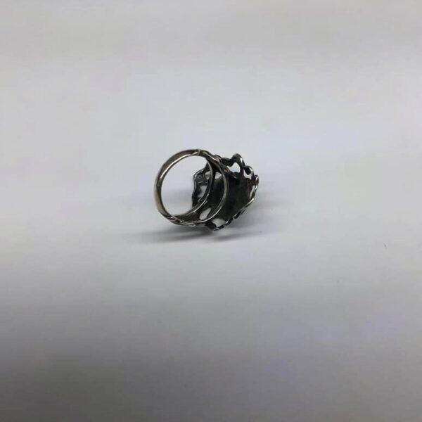 Серебряное кольцо в виде цветка 7.4 вид сзади и сбоку